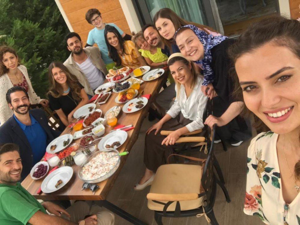 """Acemi Anneler"""" yakında TRT 1'de başlıyor"""